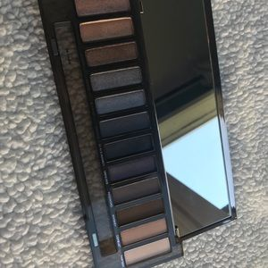 Urban Decay Makeup - Urban Decay Naked Smoky Eyeshadow palette